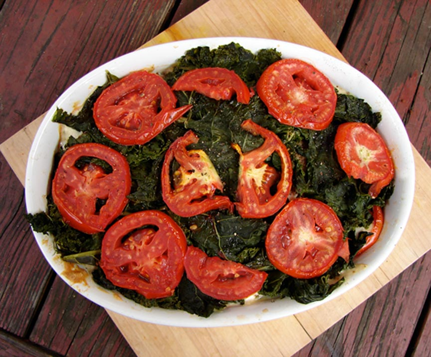 "Kale ""lasagna"" with tomatoes & roasted red peppers 