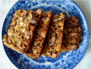Almond oat chocolate chip bars
