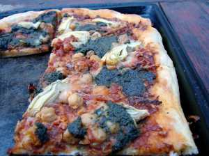 pizza with sofrito, chickpeas and pesto