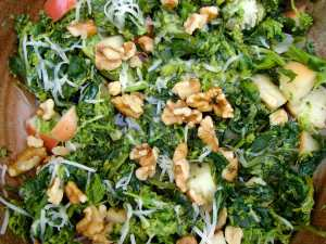 broccoli rabe with walnuts and apples