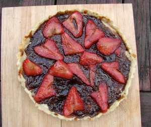 Stawberry frangipane tart with balsamic glaze