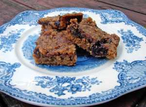 Walnut and coconut black currant jam bars