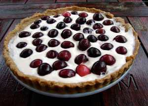 Cherry tart with almond pastry cream