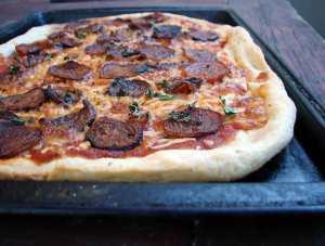 beetaroni pizza