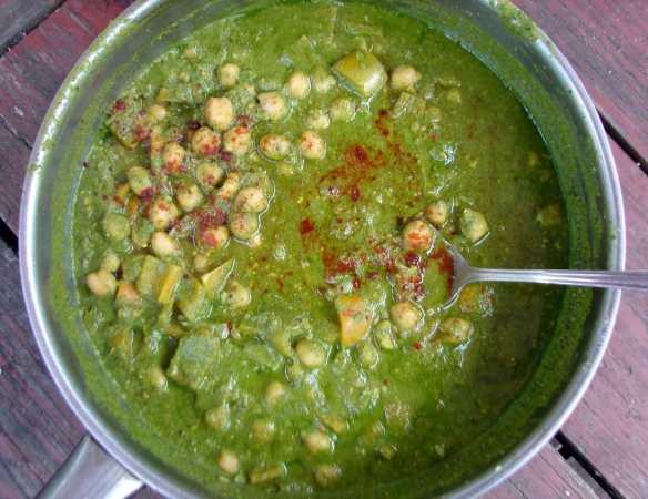 Pistachio basil curry