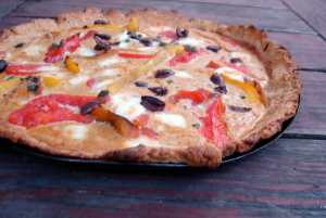 Pepper and tomato tart with hazelnut almond crust