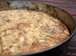 Almond praline cake