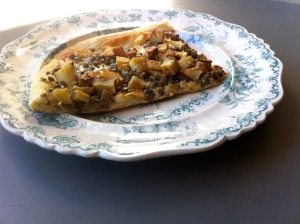 French lentil and roasted potato pizza