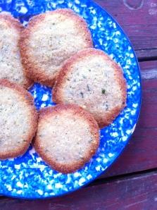 Almond tarragon cookies